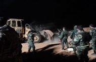 إخراج جثامين 44 شهيدا من مقبرة جماعية ممن أعدمهم تنظيم داعش الإرهابي بريف الرقة