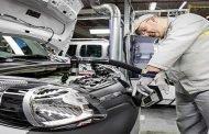 الحكومة تدرس رفع الرسوم الجمركية على مكونات السيارات المجمعة إلى 20 %