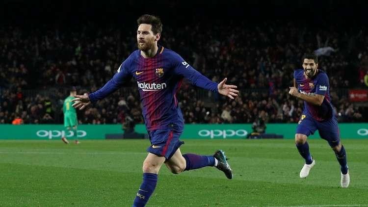 بالفيديو.. ميسي ينقذ برشلونة من كمين ألافيس!