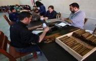 لعدم قدرتها على تسويقه.. مؤسسة التبغ توقف مصنع السيجار!!