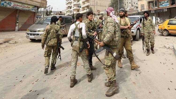 مركز المصالحة: خروج 315 شخصا من حرستا بينهم 15من مسلحي