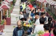 لماذا يشتري الصينيون قبورهم وهم في عز الشباب!