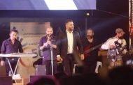 زياد برجي صعد إلى مسرح معرض دمشق الدولي وهو
