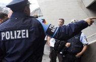 محاكمة ثمانية لاجئين سوريين تناوبوا على اغتصاب شابة ألمانية