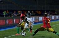 الجزائر تلتهم غينيا في طريقها لربع النهائي