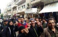 غرفة ريف دمشق للتجار: إن كنتم صادقين ووطنيين فاعرضوا بضائعكم بمائة أو مائتي ليرة سورية!