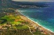 بسبب تقاعس السياحة.. مجلس محافظة اللاذقية يطالب بإزالة اشارة الاستملاك السياحي على الشاطئ